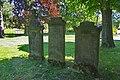 Grabsteine vor St.Nicolai-Kirche in Bakede (Bad Münder) IMG 6615.jpg