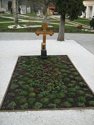 Pavle, Serbian Patriarch - Grave of Patriarch Pavle at Rakovica monastery