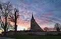 Gundelsheim - Michaelsberg - Michaelskapelle mit Friedhof - Ansicht von Osten bei Sonnenuntergang.jpg