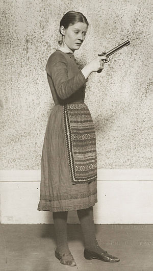 Peg Entwistle - Peg Entwistle in The Wild Duck, circa 1925