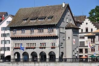 Zünfte of Zürich - Image: Haus zum Rüden Wühre 2011 08 01 16 19 56
