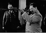 Hermann Göring with hunting rifle, 1941.jpg