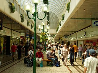 Chelmsford - High Chelmer Shopping Centre prior to the 2009 refurbishment.