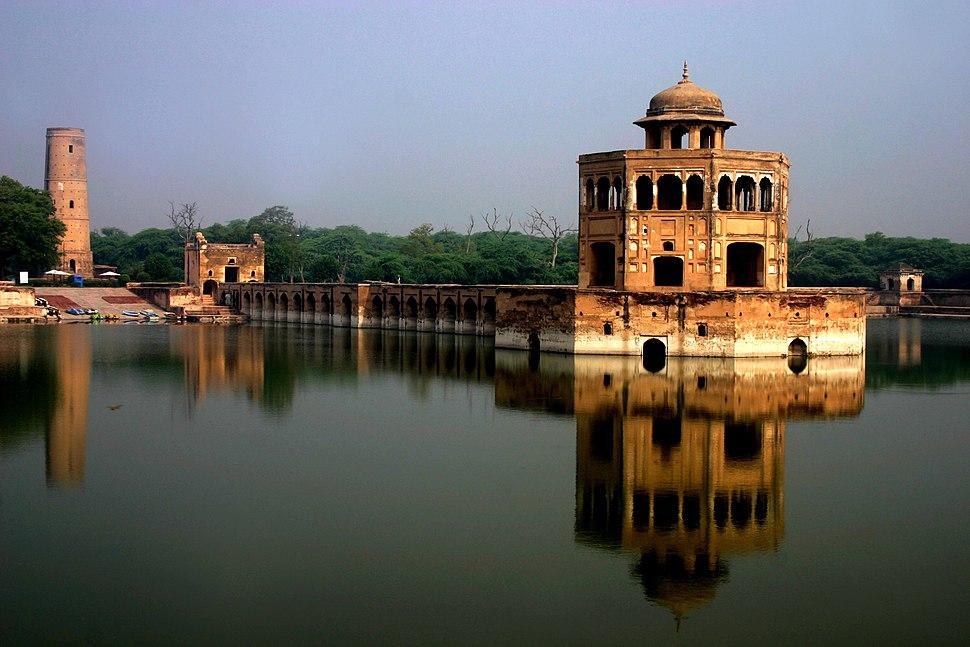 Hiran Minar near Sheikhupura was built by the Mughal emperor Jahangir in 1620 CE[1]