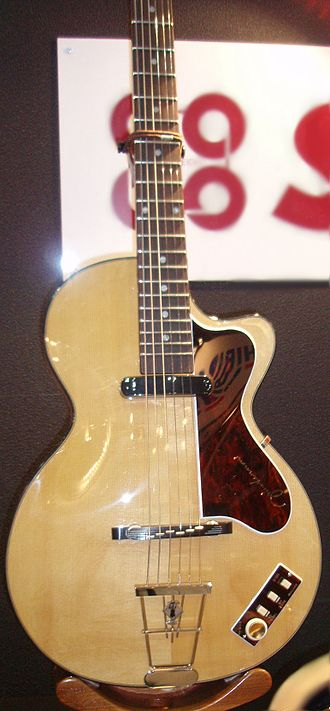 Höfner - A Club 40 as used by John Lennon.