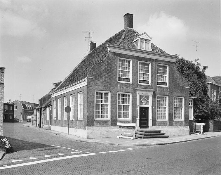 File:Hoge Ham 22, hoek Sluisweg - Dongen - 20059446 - RCE.jpg
