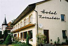Un piccolo albergo a Mureck, in Austria, che ha mantenuto i propri interni ed esterni dagli anni sessanta.