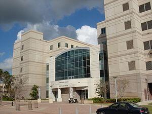 H. Wayne Huizenga School of Business and Entrepreneurship - Southern entrance of the Carl DeSantis Building