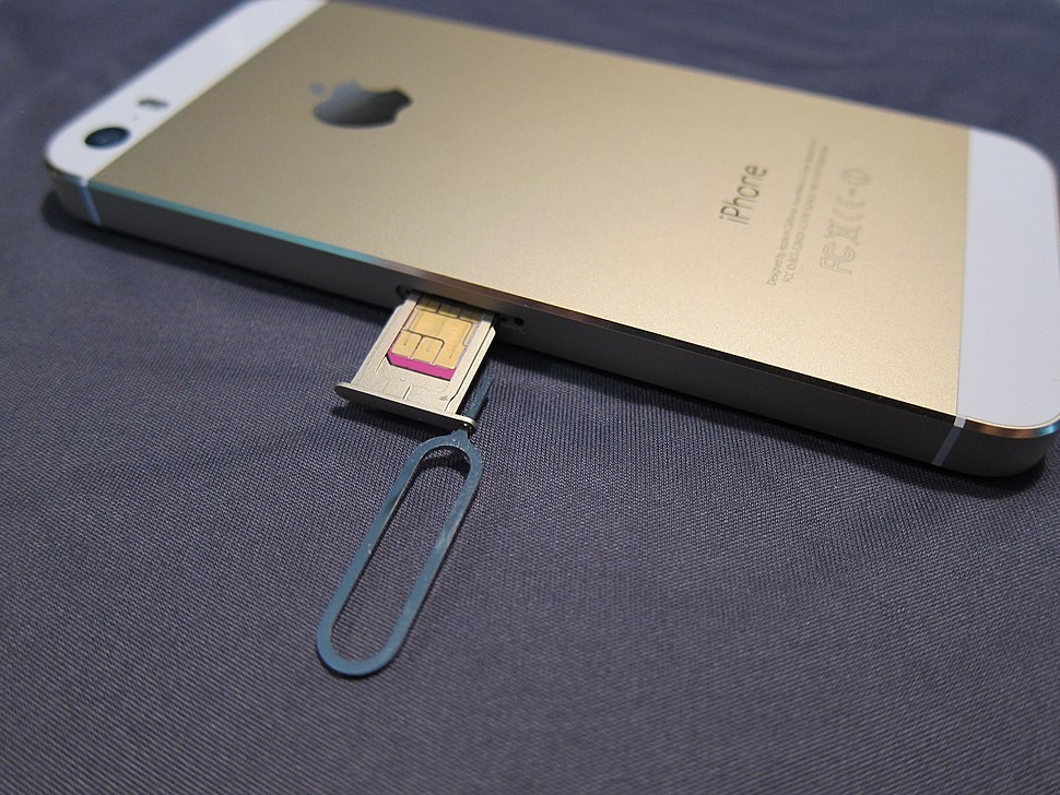IPhone sim slot