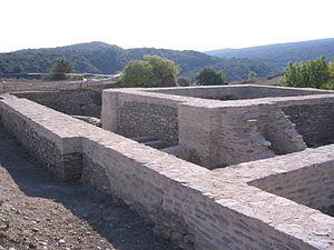 Restos de un edificio romano en Iruña-Veleia.