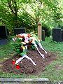 Jüdischer Friedhof Heidelberg, Beisetzung neben alten Grabanlagen 0835 .JPG