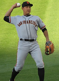 Jae-Gyun Hwang with the San Francisco Giants in 2017 (Cropped).jpg
