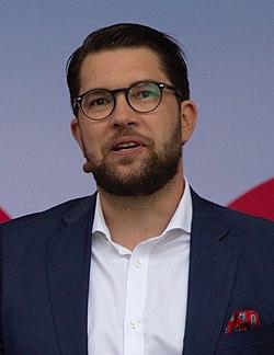 Jimmie Åkesson Almedalen 2018 (28390760747) Cropped.jpg