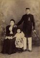 KITLV - 124894 - Luang Seng - Singapore - Couple - Mars Aoli (?) and Rokki Kotta - with their child in Singapore - 1890-1905.tiff