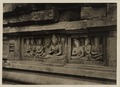 KITLV 40038 - Kassian Céphas - Reliefs on the terrace of the Shiva temple of Prambanan near Yogyakarta - 1889-1890.tif