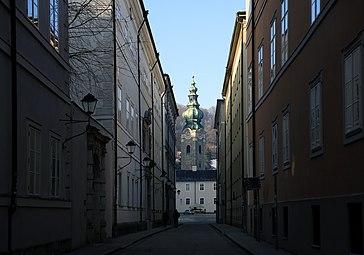 Kapitelgasse Stiftskirche St Peter Salzburg 2014 b.jpg