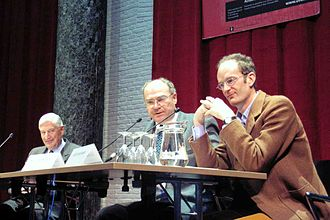 Karel van Wolferen - Presentation of Een keerpunt in de vaderlandse geschiedenis at the University of Amsterdam (left to right: former PM Dries van Agt, author Karel van Wolferen and political researcher Giles Scott-Smith).