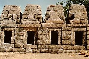 Chausath Yogini temple, Khajuraho - Shrine cells
