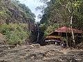 Klong Plu waterfall - panoramio (1).jpg