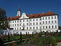 Kloster Schaeftlarn Garten-1.jpg