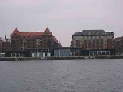 Sådan kommer du til Kulturhuset Islands Brygge med offentlig transport – Om stedet