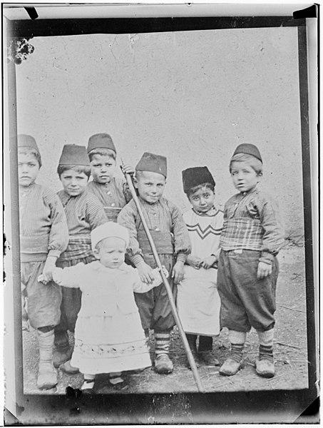 File:Kvinnelige Misjonsarbeideres arbeid i Armenia - fo30141712200039.jpg