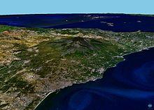 Immagine dell'Etna e del territorio in cui insiste vista dal satellite (fonte NASA 2005)