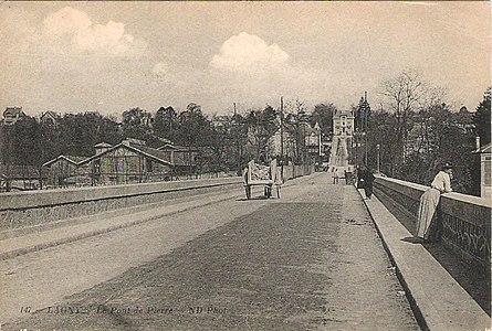 L2016 - Lagny-sur-Marne - Pont de Pierre.jpg