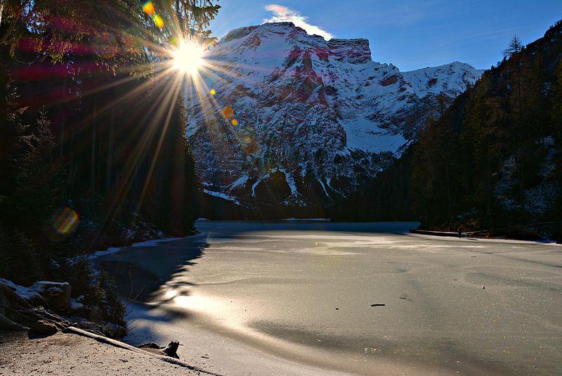 File:Lago di Braies 001.jpg
