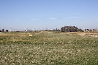 Larson Brothers Airport - Image: Larson Brothers Airport Landing Strip WIS150