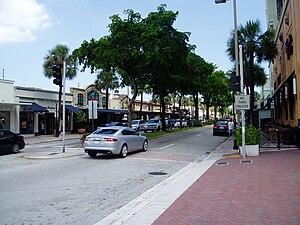 Las Olas Boulevard - Las Olas Shops facing northeast