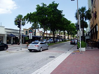 Las Olas Boulevard - Las Olas Shops facing northeast