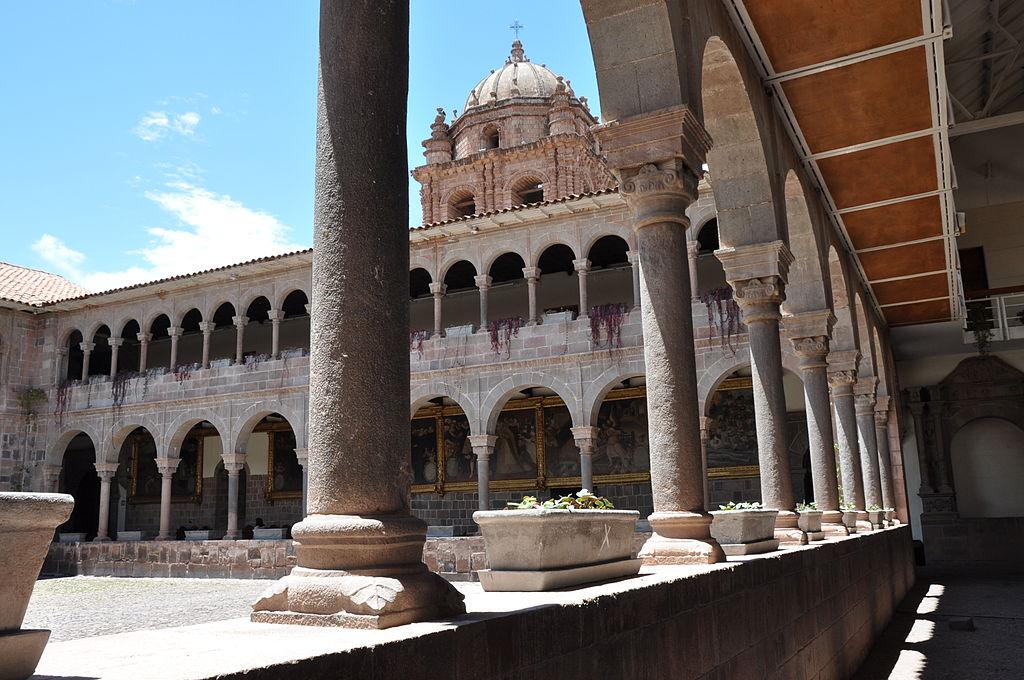 Lascar La iglesia de Santo Domingo (Cuzco) (4578193712)
