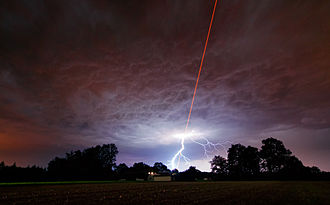 Laser guide star - Image: Laser Meets Lightning