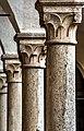 Le colonne del chiostro del Complesso di Santa Caterina.jpg