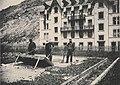 Le criblage de graines sur les aires. Secherie de Modane (Cliche de Ch. Kuss, N° 59p, 15 Juin 1893).jpg