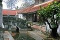 Le pont de pierre de la pagode But Thap.jpg