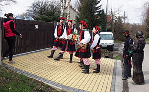 Siuda Baba - A procession of Krakowiacy, Siuda Baba and the Gypsy visiting residents