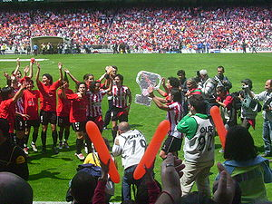 Athletic Club Femenino - Athletic players celebrating the team's fourth championship on 6 May 2007 in San Mamés