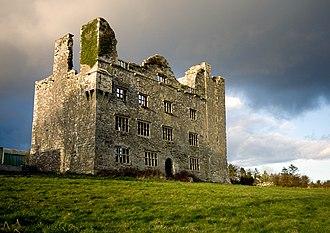 Kilnaboy - Leamaneh Castle