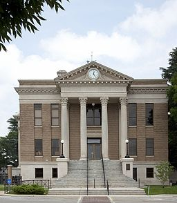 Limestone County Courthouse, Athens, Alabama 01.jpg