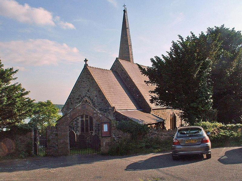 ファイル:Llanfair Church.jpg