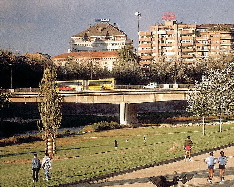 File:Lleida-25 riu Segre.jpg