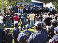 Lobinhos do Grupo Escoteiros Guia Lopes (135-SP) observando os astronautas no Palco Principal do evento Domingo com o Astronauta, evento comemorativo dos 10 anos do primeiro brasileiro no espaço, o astron - panoramio.jpg
