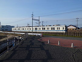Local train of Tōbu Kiryū Line.jpg