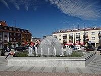 Lubawa - fontanna na Rynku - 2.jpg