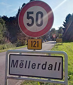 Luxembourg road sign F,14a Mëllerdall.jpg