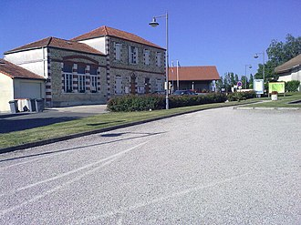 Barinque - The Town hall and School