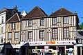 Maisons colombages Place De Gaulle Tonnerre 2.jpg