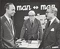 Man tegen Man, televisieprogramma met journalisten, vlnr H.J.A. Hofland (Algemee, Bestanddeelnr 092-0515.jpg